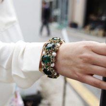 蝶蝶  复古个性时尚款 祖母绿宝石镶嵌珍珠手镯 手链批发