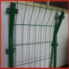 体育场护栏网现货 安平高速护栏网 养鸡围栏网多长多高