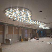 现代酒店大堂异形玻璃吊灯 酒店大堂创意艺术吊灯 中山非标酒店灯具定制