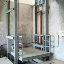 AG二八杠  固定导轨式升降机 许昌HTSJD-6电动液压升降货梯 高空货梯 厂家量身定制