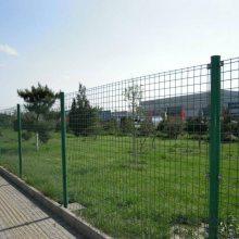 现货批发球场围栏网体育场地围栏蓝球场围栏网包塑绿色围挡护栏网