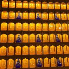 专业生产加工铝合金智能万佛墙万佛龛金咏式红木纹系列光明柱万佛殿琉璃佛像