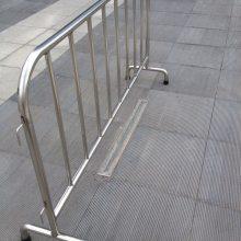 广州外贸出口专用大型活动围栏 304不锈钢移动护栏厂家 地铁商超临时隔离围栏材质