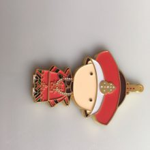 卡通烤漆钥匙扣定制,旅游纪念工艺品制作,博物院金属纪念钥匙圈生产