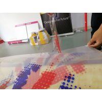宝安厂家定制UV彩白彩贴纸 更美观 耐褪色 新发现喷绘
