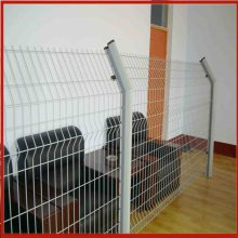 护栏网有哪些 斜方孔护栏网 围栏网养鸡网防护