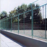 高速护栏网规格 公路隔离栅价格 桃型柱护栏网厂