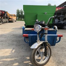 牛羊饲草喂料车 按要求尺寸定制撒料车 润丰撒料车