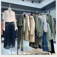 上海休闲品牌女装直销梦之屋19秋装宽松款风衣拿货渠道多种面料新款组货包