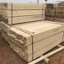 烟台市建筑工地木方生产厂家 烟台卖3*6尺模板 4*8方木跳板就找津大木业