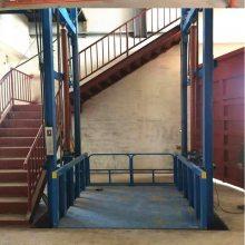 真人德扑圈 厂家直销壁挂导轨链条式升降机 物流货物液压升降货梯 仓库简易升降机