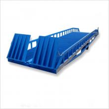 威海工厂装卸货物平台 集装箱登车桥 8吨移动式登车桥 姚记娱乐APP厂家定做