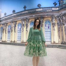 甜美公主裙 【朵拉薇拉】新款刺绣连衣裙 专柜同步新款女装进货渠道