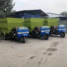 養殖場都在用的飼草投料車 直接運送草料喂牛設備潤豐定制