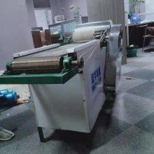 厂家专业制造面粉膨化机 麻辣条机 糖酥果机创业设备