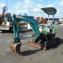 洋马1吨左右的原装二手小挖机 原装车 8成新 低价出售