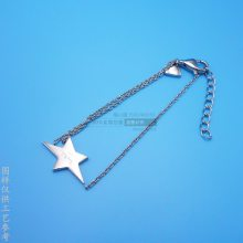 女士精美手链定制 五角星金属挂件 合金电镀首饰品