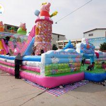 广西钦州室外充气大滑梯儿童大型气包蹦蹦床猪年小猪佩奇完胜