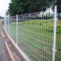 三角折弯防护网 钢丝防护网 桃型柱围墙网