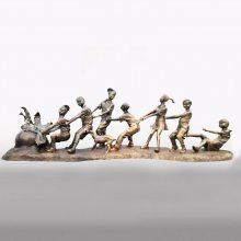玻璃钢仿铜人物雕塑创意拔萝卜游戏模型仿真小孩模型厂家定制