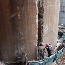 拆130米锅炉烟囱施工队