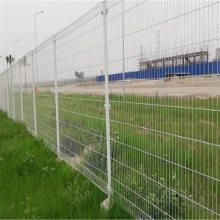 高速公路护栏网厂家是哪里_优盾护栏网厂供应圈地围栏网护栏