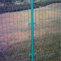 围果园铁丝网 公路隔离栏 道路防护墙