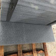 深圳30厚芝麻灰火烧板面 石材花岗岩烧面价格批发
