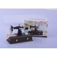仿真缝纫机复古仿木制迷你缝纫机音乐盒上发条八音盒天空之城音乐