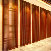 万达融创游乐园装饰铝合金花格门 仿木纹格栅门