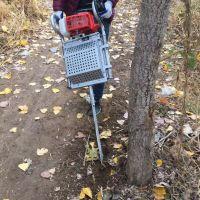 亚博国际真实吗机械 移苗断根挖树机 起树机 便携式果树移苗机 汽油果树移栽机 价格