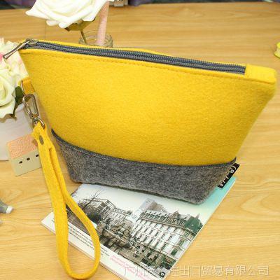 时尚拼色拉链化妆收纳女款包包 超大容量简便水桶型手拿毛毡包