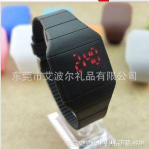 供应工厂手表批发 热卖触摸屏手表 果冻超薄led手表 速卖通