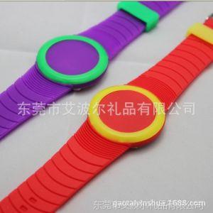 供应硅胶电子彩色数字手表  彩圈手表表扣 颜色可以定制