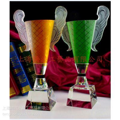 篮球竞标赛奖杯花落谁家.高档水晶奖品等你来拿.