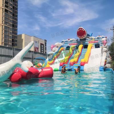 户外充气水池支架游泳池里面玩的漂浮物移动水上香蕉船
