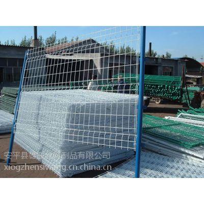 常年存有大量养殖围栏网现货 浸塑护栏网格***