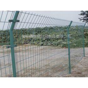 内蒙古双边圈地护栏网多钱一平米 双边圈地护栏网报价