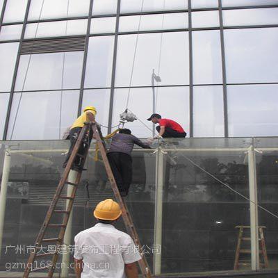 高层石材幕墙玻璃破损维修、加固、更换服务;