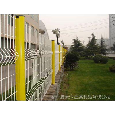 小区围墙防护网 桃形柱折弯护栏网
