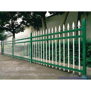 供应乳山万通 锌钢护栏网 小区隔离网 002-6锌钢护栏网良好的柔韧性能,钢性和柔性使围栏产品