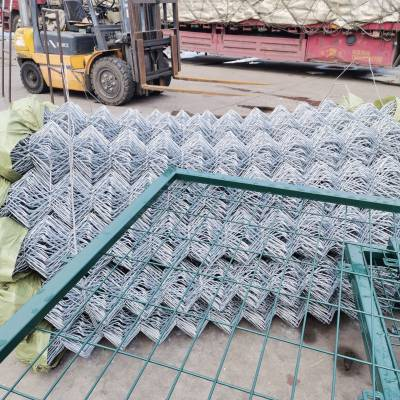 运城包塑勾花网围栏规格 6公分孔径绿色编织铁丝网全国发货
