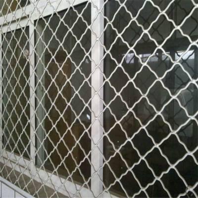 福建波浪焊接网规格/3mm门窗防盗网厂家/飞机上铁路防护用网墙多少钱