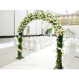 南宁市婚礼拱门鲜花装饰电话15296564995上门布置结婚婚庆鲜花拱门电话