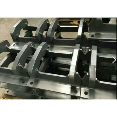 供应小松原装挖掘机配件 小松PC450-8护链架