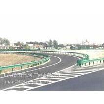 新疆哈密公路钢护栏板工程项目