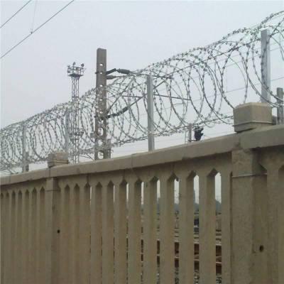 刺丝围栏 围栏刺绳 刺绳隔离栅
