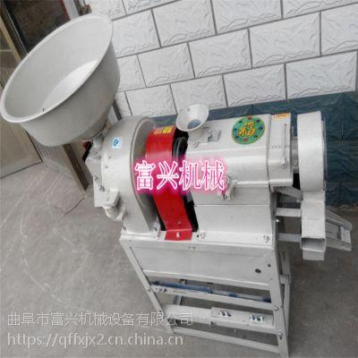 磨面机由铸铁制造共用主机和与主机配装的打米机芯、磨面机芯