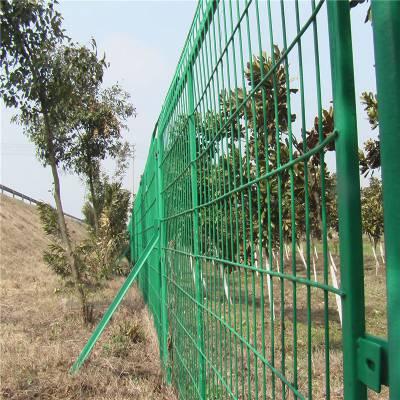 铁丝网围栏 景区隔离栅 高速公路防护网