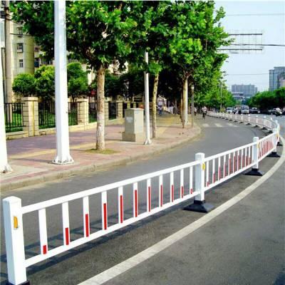 道路护栏厂 马路中间热镀锌管栏杆 河南郑州市政隔离栅栏高强度现货安装